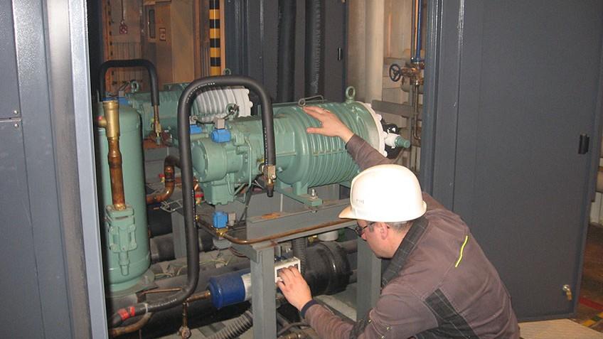 Техническое обслуживание оборудования станции получения азота